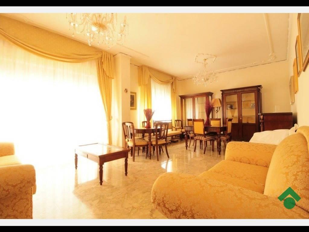 foto salone Appartamento via principessa mafalda, 9, Messina