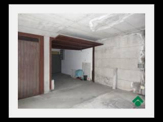 Foto - Box / Garage via V  Veneto, 12, Rescaldina