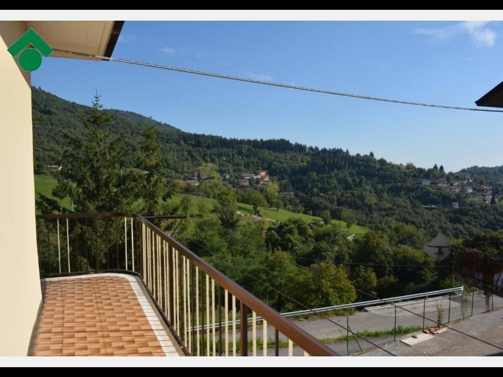 foto  Villa bifamiliare via gazzane, 45, Brione