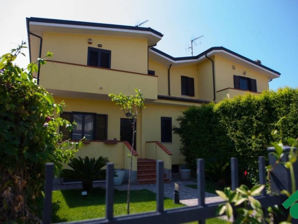 foto  Villa Località Chiusa, -1, Simeri Crichi