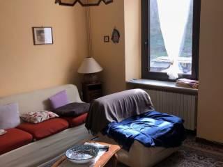 Foto - Casa indipendente via Ugo Foscolo 20, Crevacuore