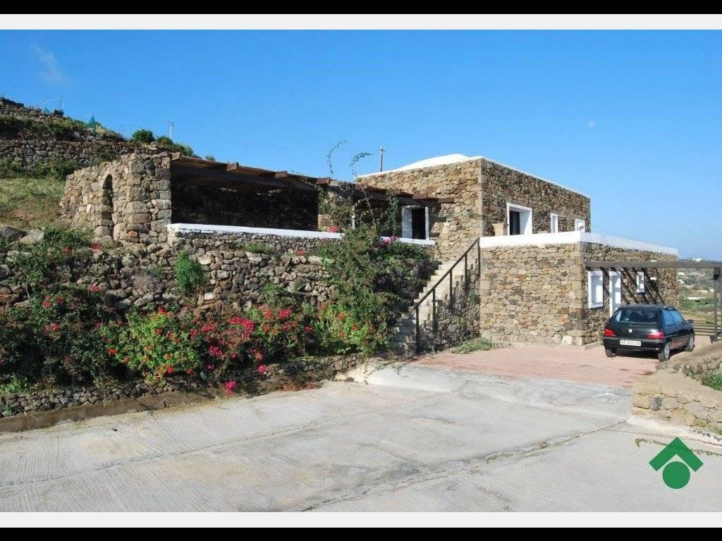 Case Di Pietra Pantelleria : Casa vacanze in affitto a pantelleria l oasi della pace