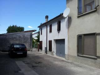 Foto - Villetta a schiera via Sant'Eurosia II 3, Serravalle a Po
