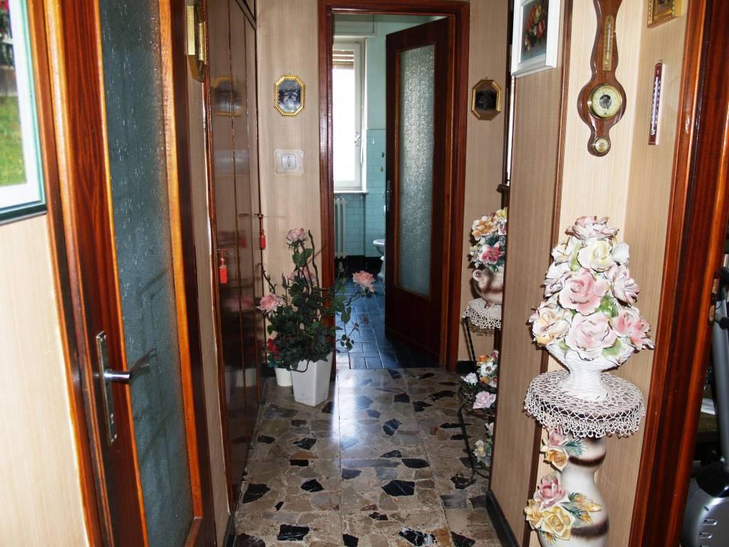 foto Corridoio Trilocale via Bezzecca 20, Vercelli