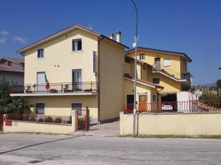Foto - Appartamento via Piedi le Vigne, Poggio Picenze