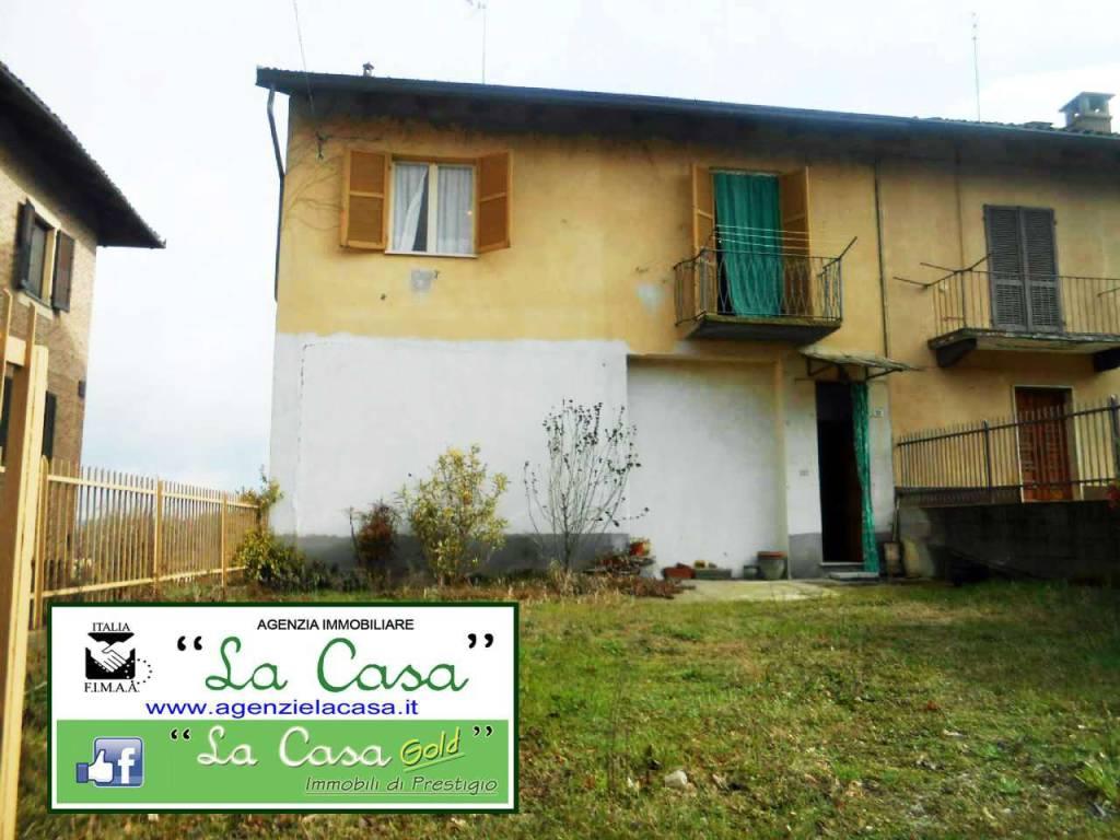 Foto 1 di Casa indipendente via Marchesi Roero  31, Cortanze