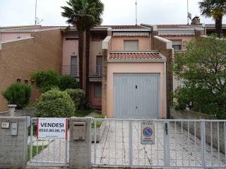 Foto - Villetta a schiera via Primo Ghini 19, Argenta