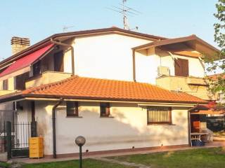 Foto - Villetta a schiera via Luigi Cadorna, Castelli Calepio