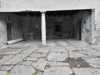 Foto - Casa indipendente via Pietro Fioroni, Lasnigo