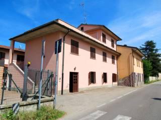 Foto - Palazzo / Stabile tre piani, da ristrutturare, Divisa, Marcignago