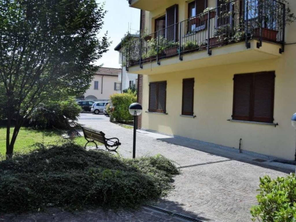 foto esterno Trilocale via Roma, Meda