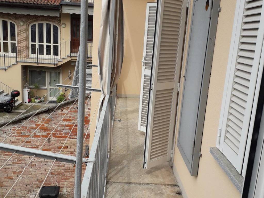 foto BALCONE 4-room flat via Vittorio Veneto, Riva Presso Chieri