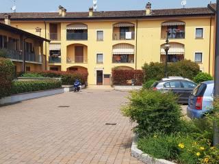 Foto - Trilocale via Ubaldo Ferrari 15, Castelverde