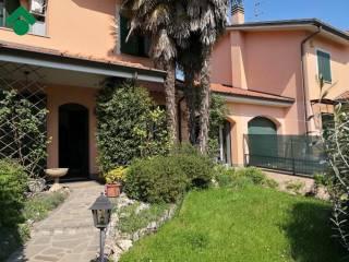 Photo - Two-family villa viale della Resistenza, 28, Albignano, Truccazzano