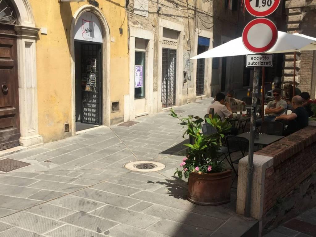 foto  Tabaccheria in Vendita a Perugia