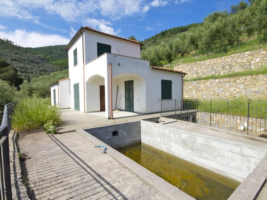 foto  Villa unifamiliare via Nino Bixio, Castellaro