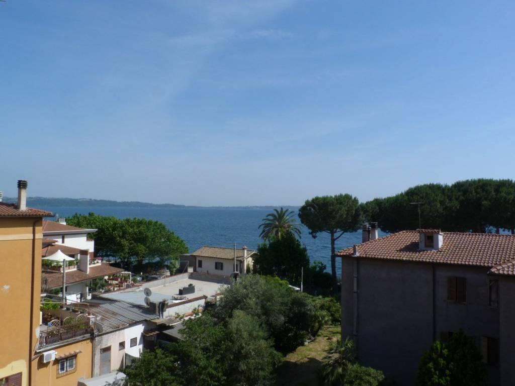 foto  Trilocale via Nicola Catena, Trevignano Romano