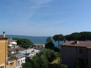 Foto - Trilocale via Nicola Catena, Trevignano Romano