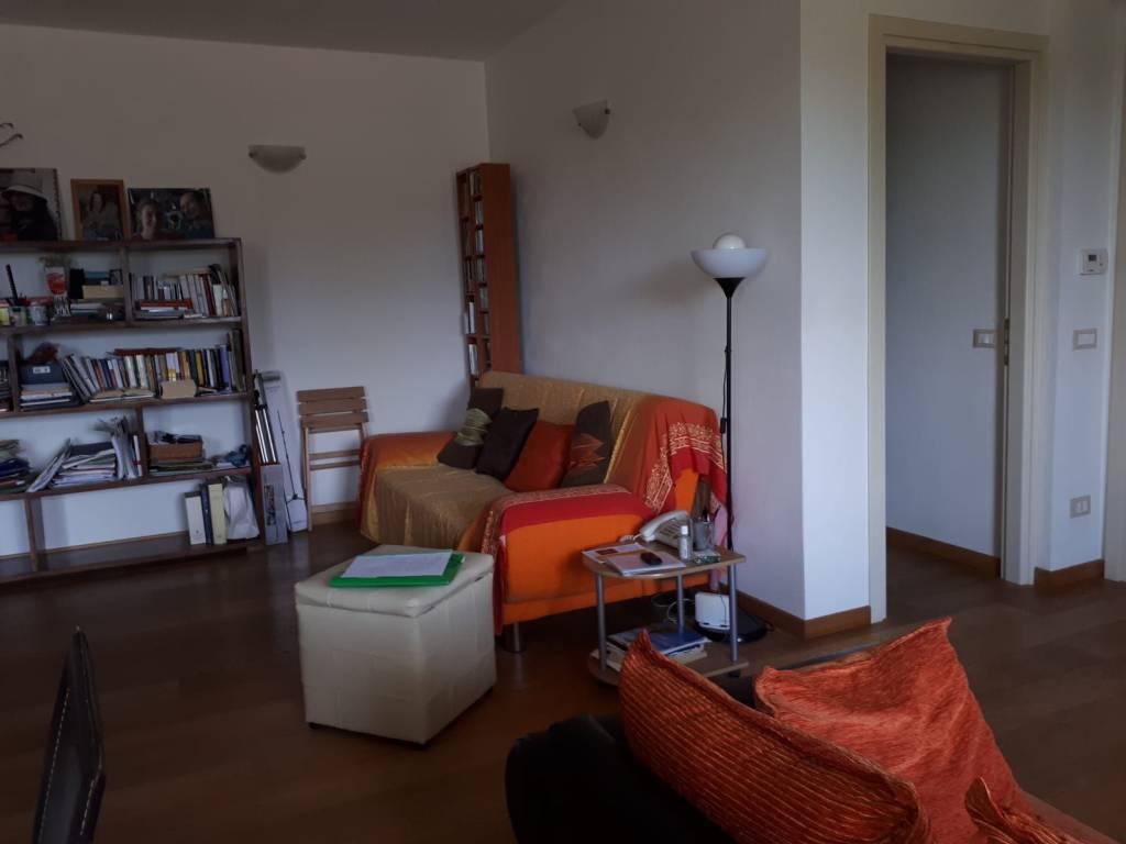 foto soggiorno Appartamento via delle Ville 9, Lucca