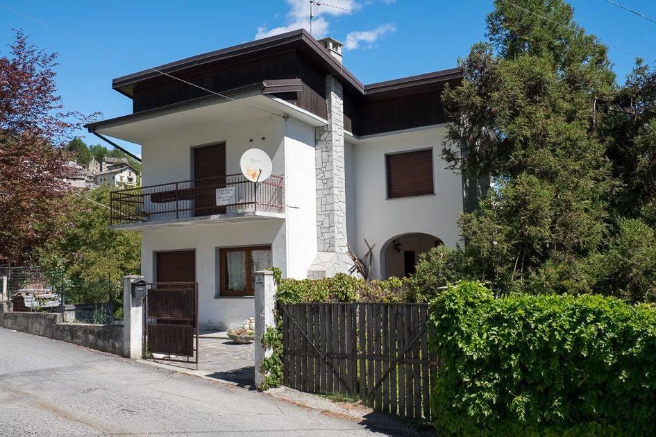 foto  Villa frazione Mozzio 24, Crodo
