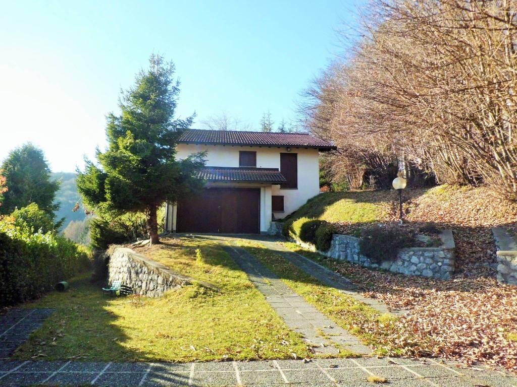 foto facciata Villa unifamiliare via ai Monti, Alta Valle Intelvi