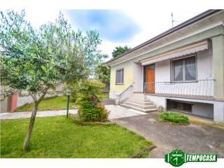 Foto - Villa viale Lombardia 25, Marnate
