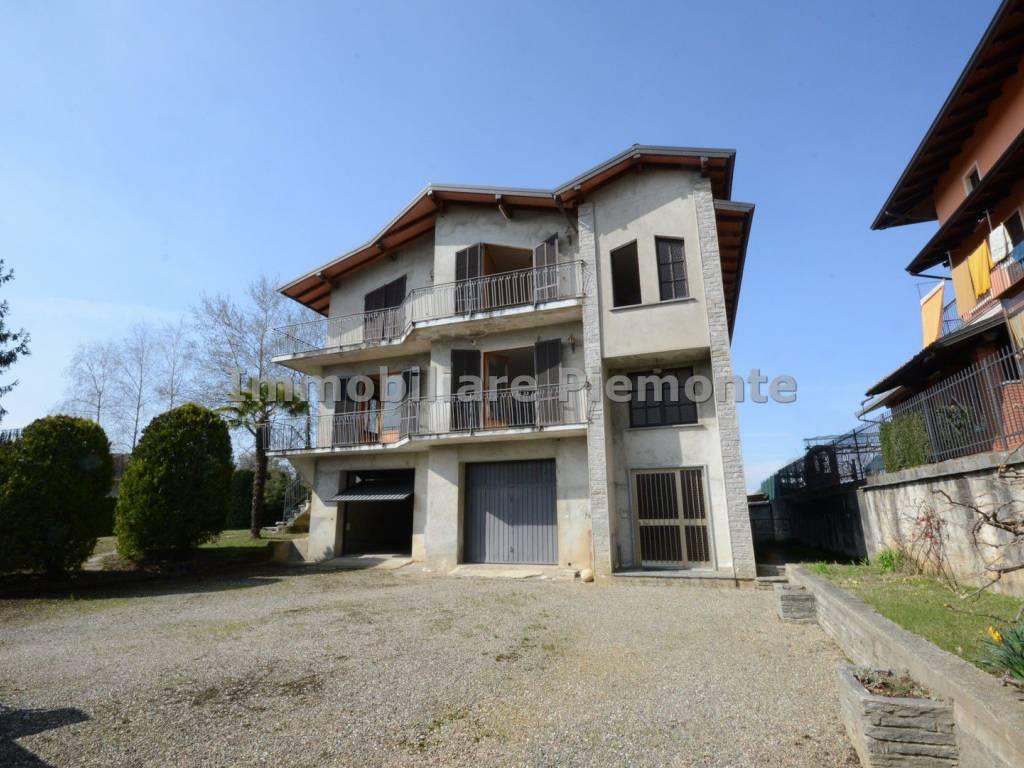 foto Esterno Villa via Beltrami 8, Maggiora