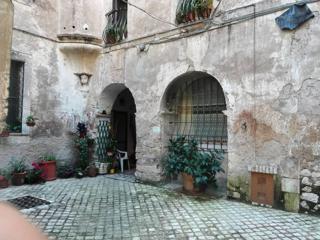 foto esterno Trilocale via Rione Vecchio 2, Sermoneta