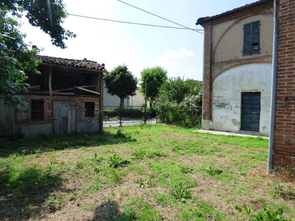 foto  Rustico / Casale, da ristrutturare, 140 mq, Castelvetro Piacentino