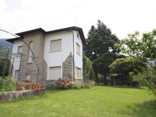 Foto - Villa via Colombera, Sale Marasino