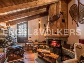 Foto - Villa unifamiliare Strada Statale della Valle d'Aosta, La Thuile