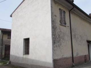Foto - Casa indipendente 175 mq, da ristrutturare, Roverbella