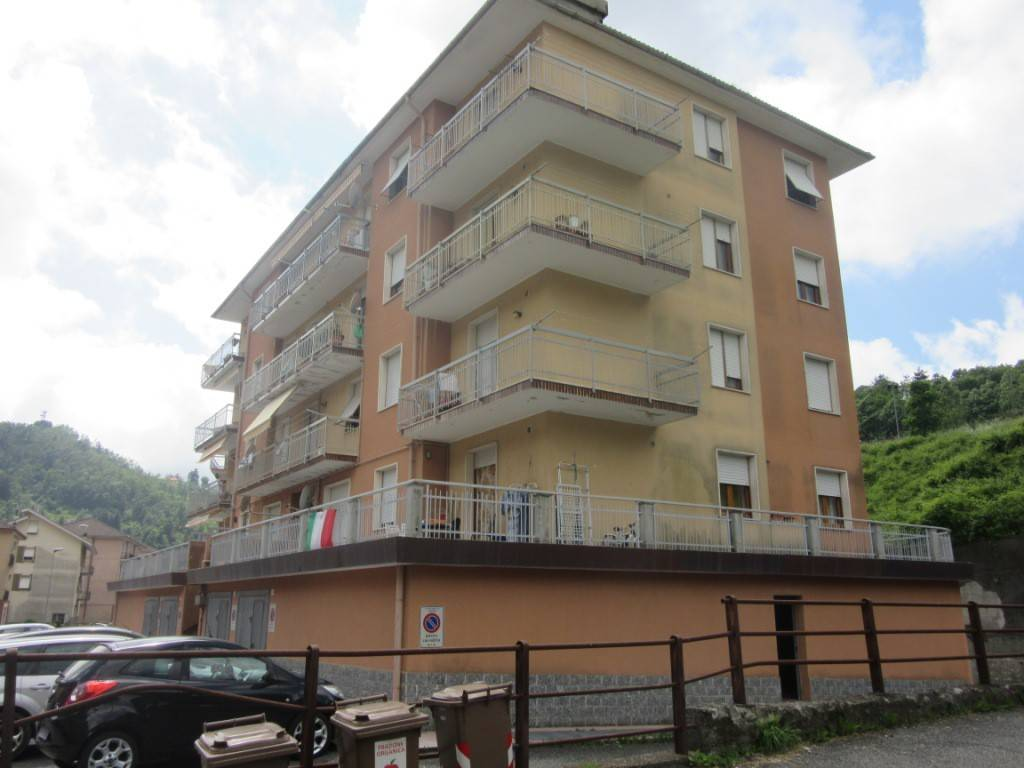 foto Esterno 3-room flat via Romitorio 200, Masone