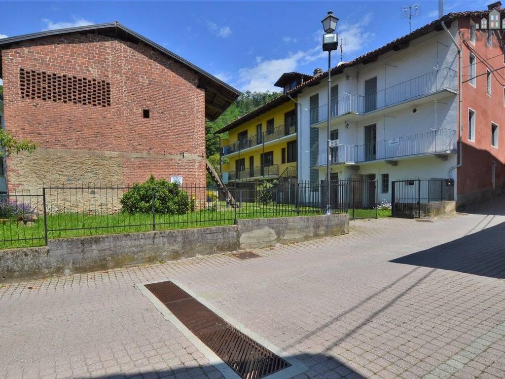 foto esterno Casa indipendente via Camillo Benso di Cavour 12, Strambinello