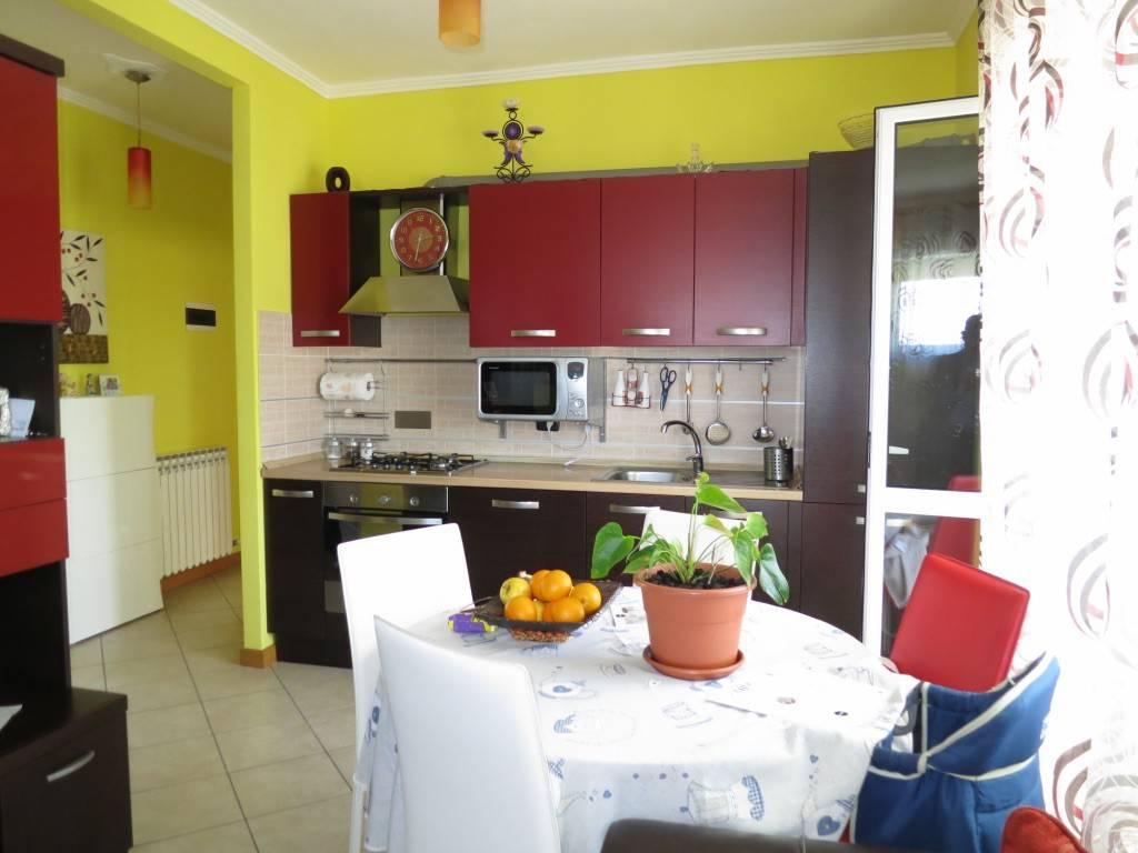 foto Cucina Trilocale Villaggio Unrra 12, Boves