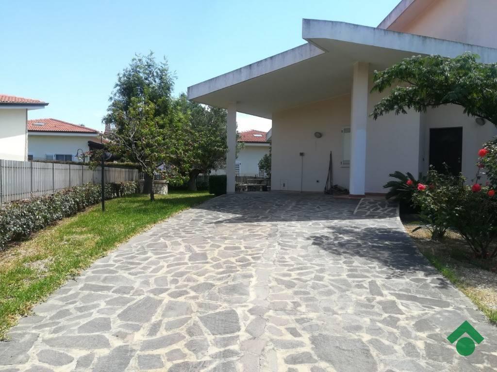 foto  Villa viale del Turismo, 3, Simeri Crichi