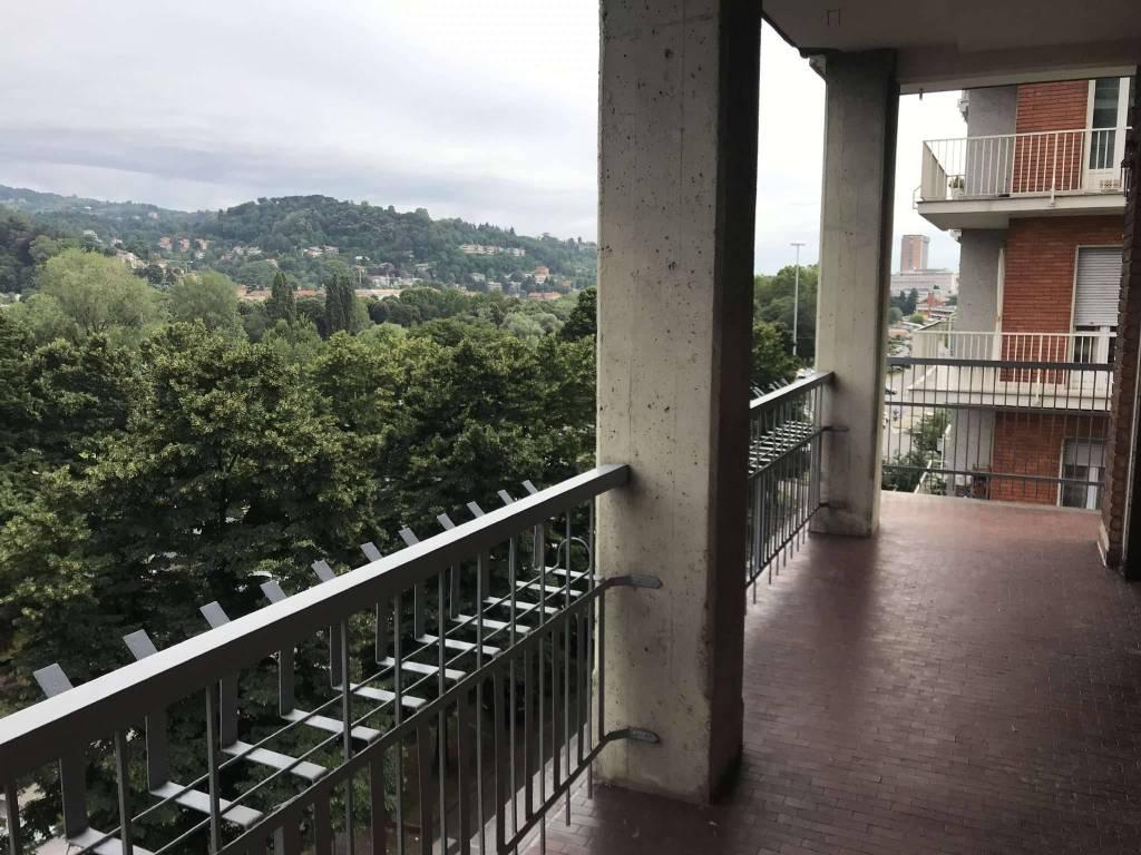 Foto 1 di Appartamento corso corso massimo d'azeglio 112, Torino (zona San Salvario)