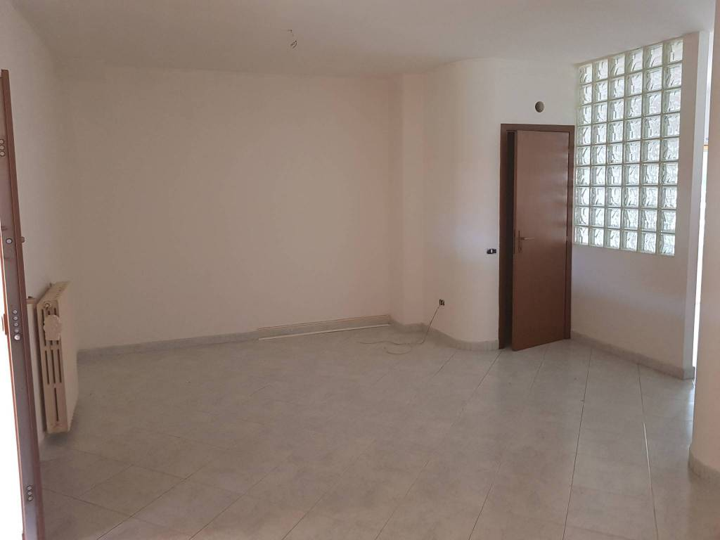Vendita Appartamento Mercato San Severino. Trilocale in via Marcello ...