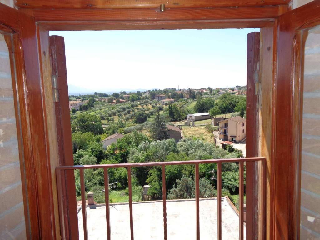 foto VISTA Bilocale via Delle Cascine, Fiano Romano