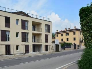 Foto - Trilocale nuovo, piano terra, Quinto, Verona