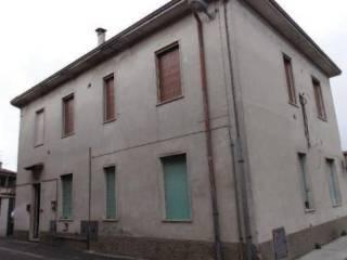 Foto - Bilocale all'asta via Trento e Trieste 27, Crespiatica