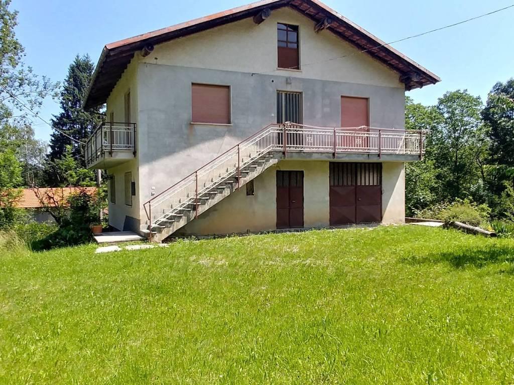 Foto 1 di Casa indipendente Frazione San Giovenale, Peveragno