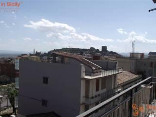 Foto - Appartamento da ristrutturare, quarto piano, Paternò
