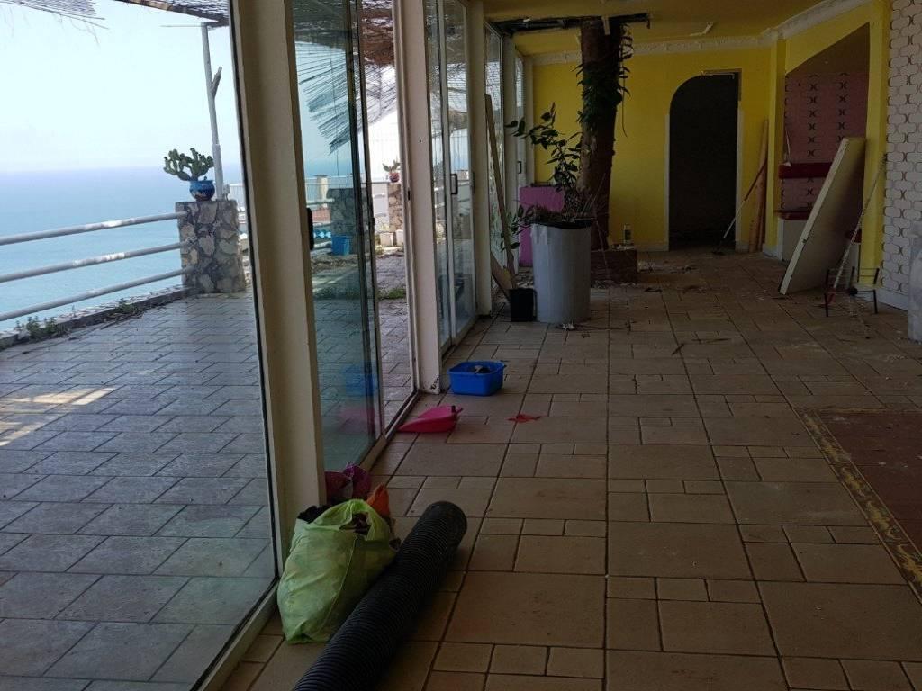 foto  Box / Garage 100 mq, Vietri sul Mare
