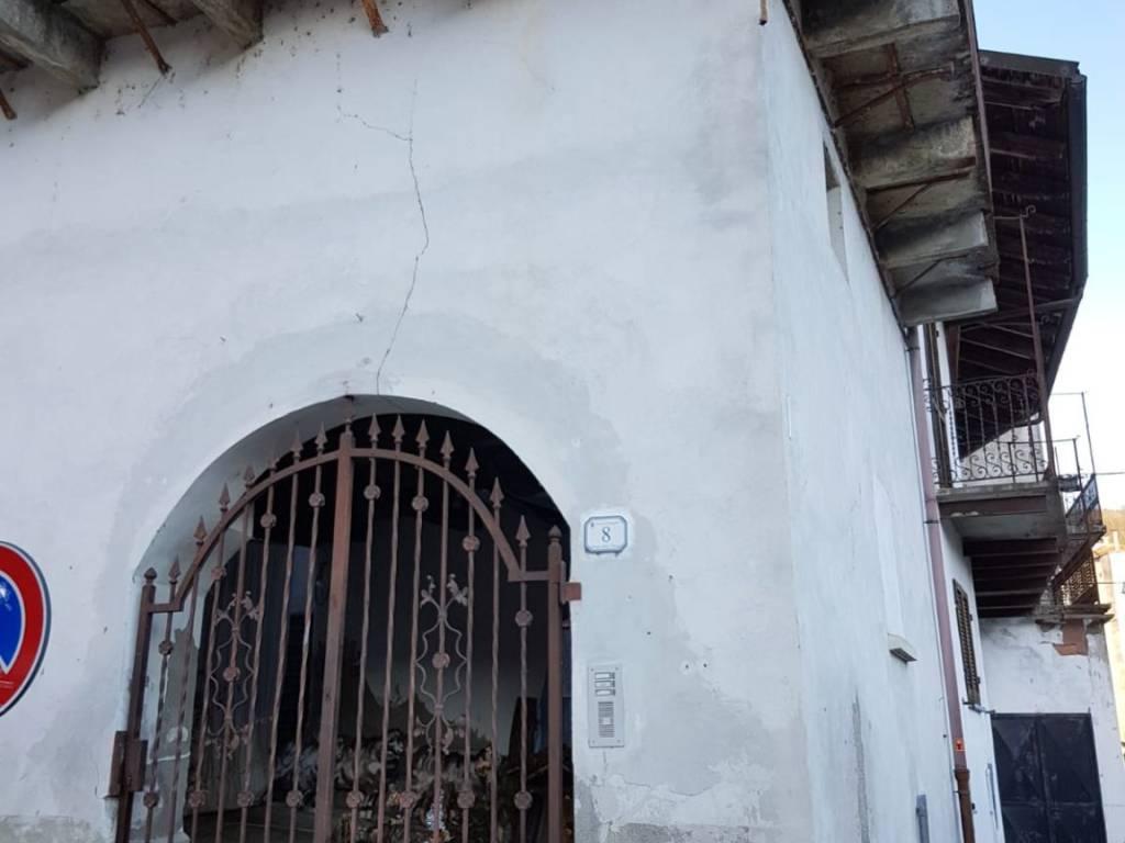 foto  Palazzo / Stabile via Insurrezione, Grognardo