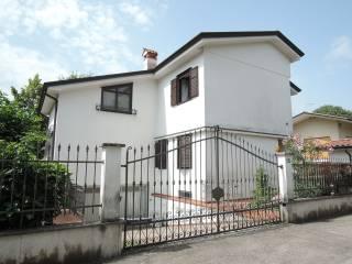 Foto - Villa via Giovanni Lorenzoni, Centro città, Gorizia