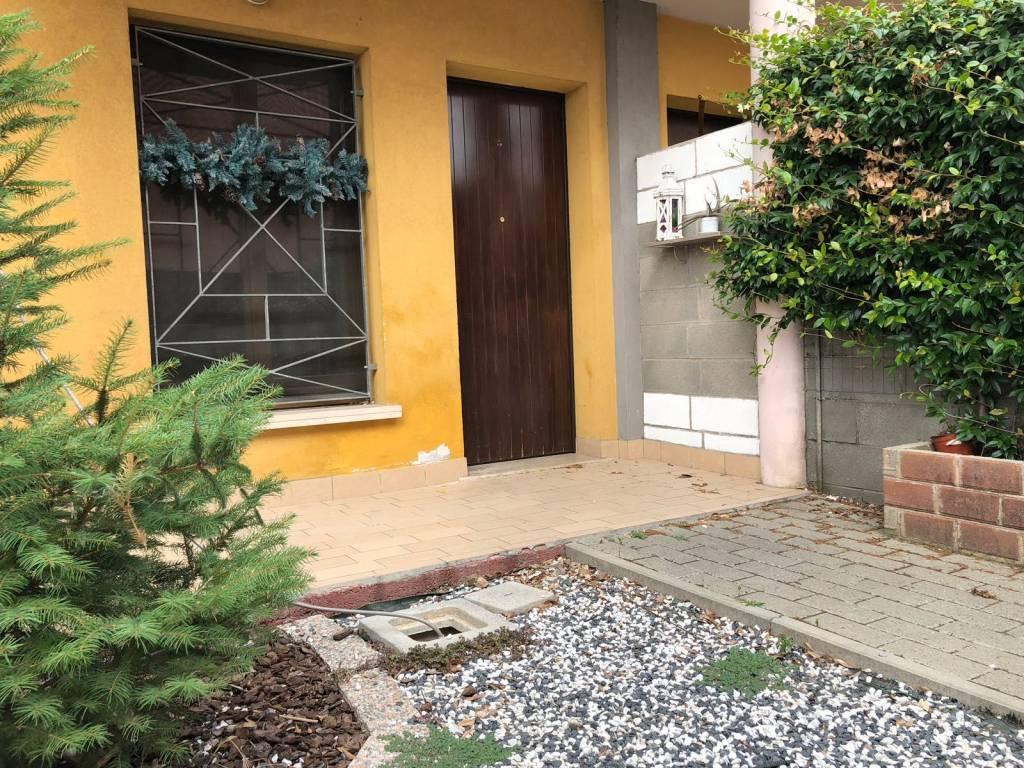 foto  Трехкомнатная квартира Strada Guerrina 1, Porto Mantovano