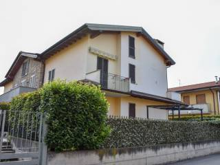 Foto - Quadrilocale via Monte San Michele 20, Madone