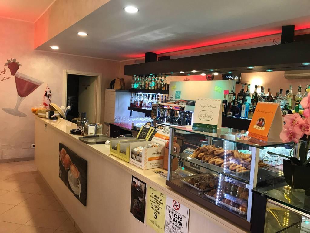 foto  Bar in Vendita a Albenga