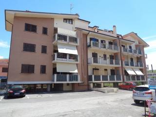 Foto - Trilocale via Monte Abetone 2, Monterotondo